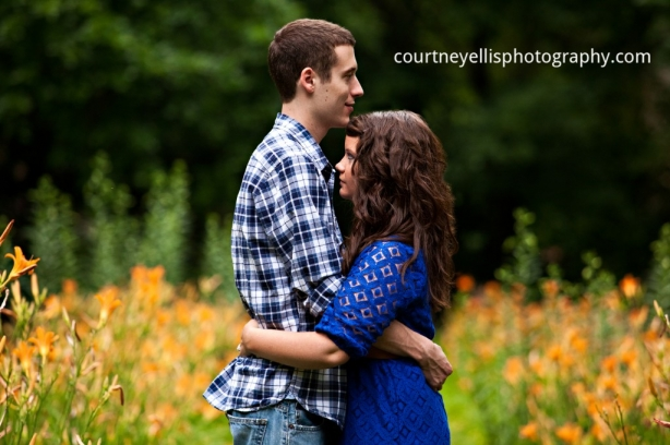 Louisville Engagement Photographer Courtney Ellis