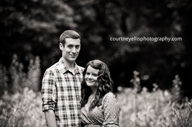 Louisville Engagement Photographer Courtney Ellis